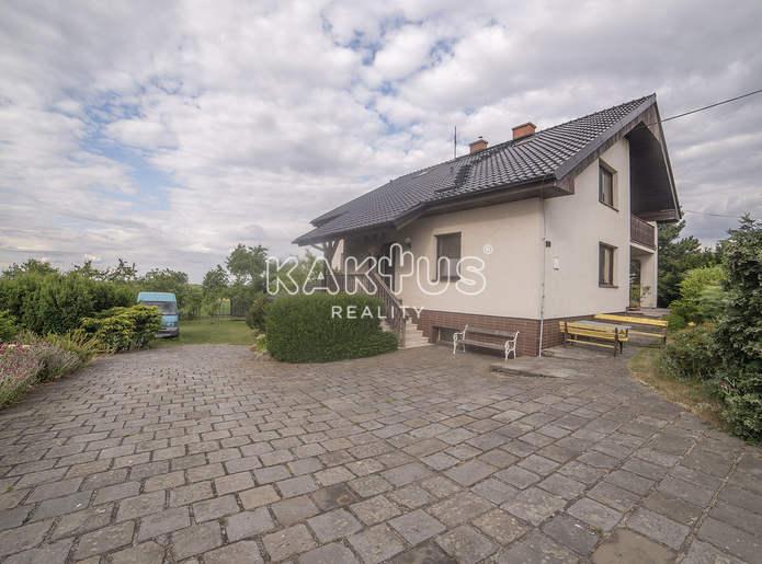 Prodej rodinného domu 6+2 s garáží a pozemkem 2867m², Klokočov u Vítkova, okr. Opava
